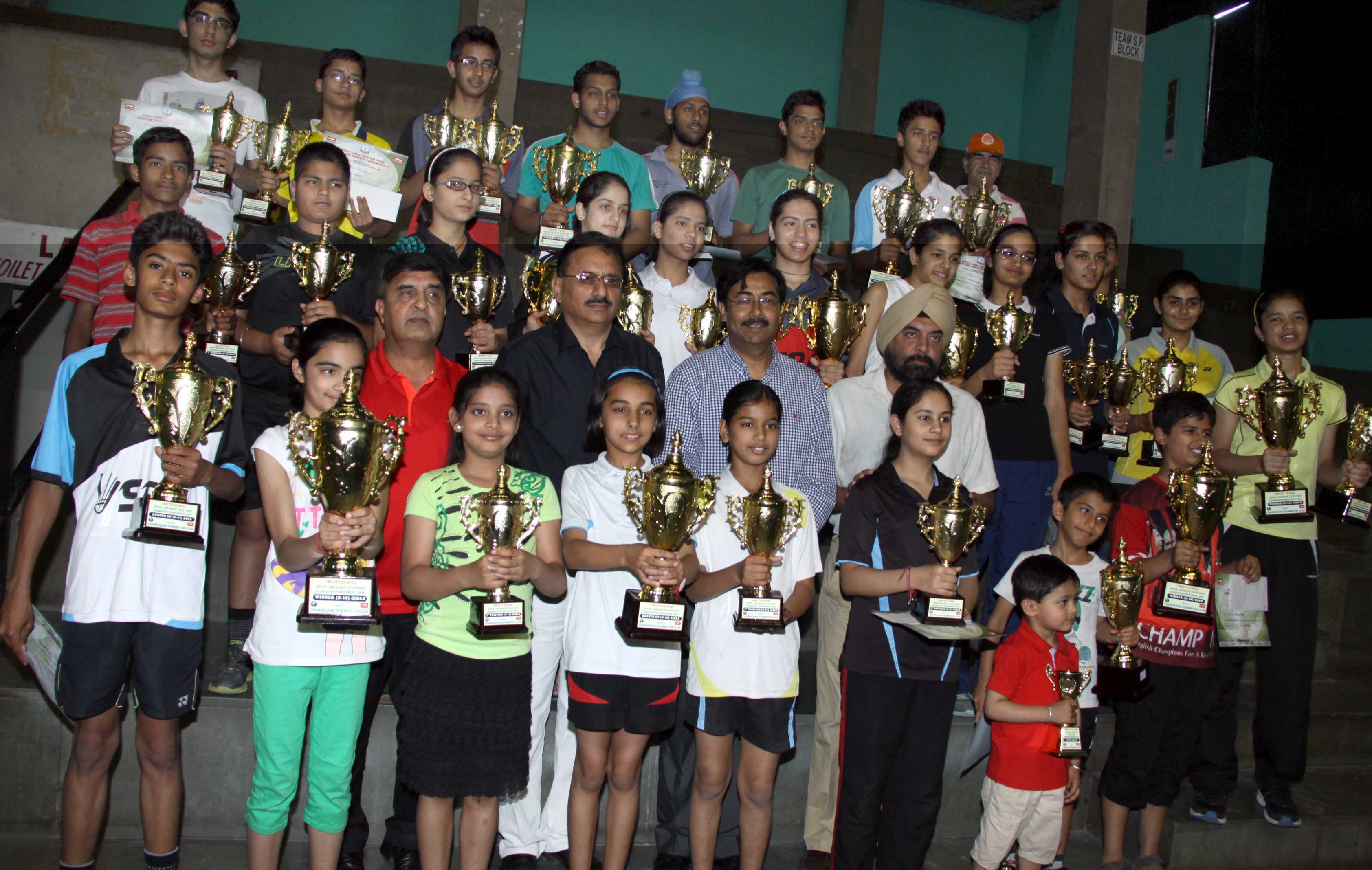 UT Home Secretary, Mr. Anil Kumar and others poses with the winners at the Closing Ceremony of Tricity Li-ning Junior/Sub Junior Talent Hunt Badminton Tournament-2014 at Sports Stadium, Sector-42, Chandigarh on Sunday, April 20, 2014.