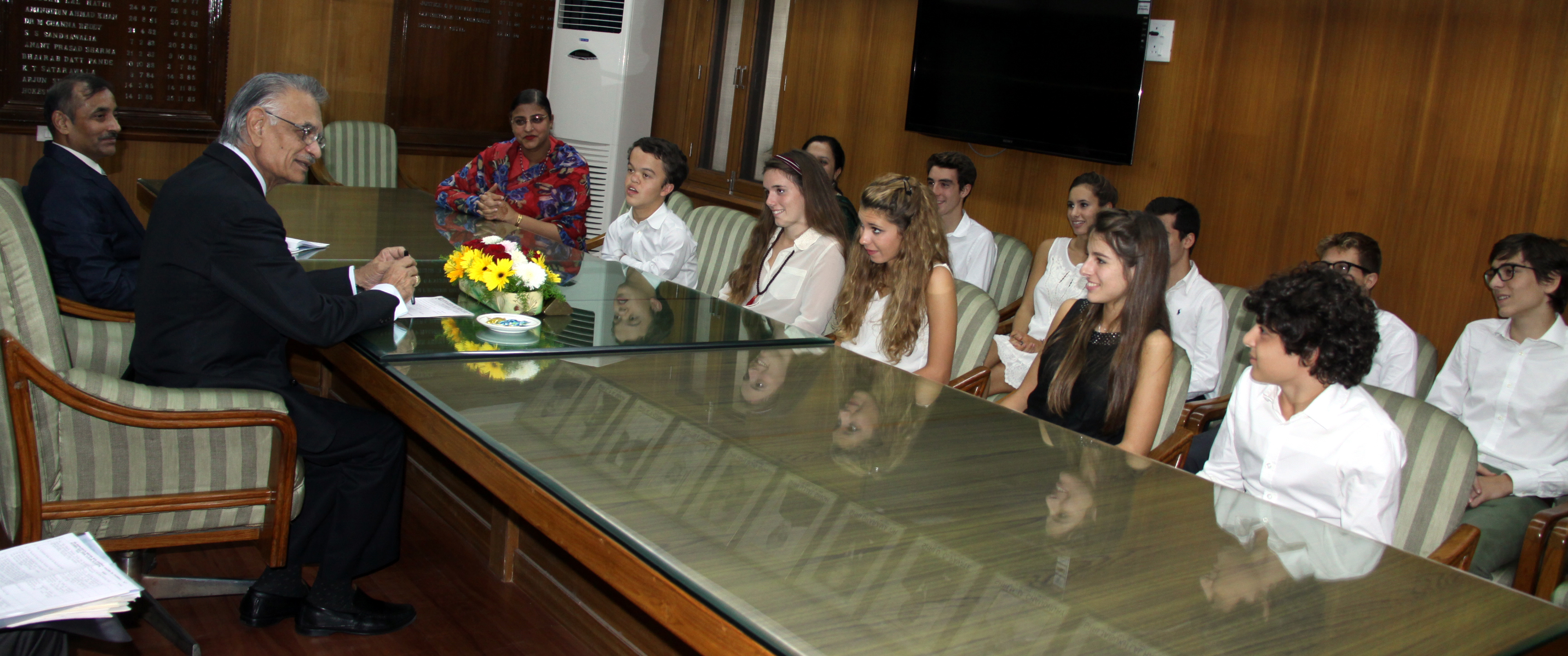 A team of ten Italian students from Collegio San Carlo, Milan, led by Mrs Sangeeta Sekhon today calls on Punjab Governor and Administrator U T Chandigarh, Mr Shivraj V. Patil at Punjab Raj Bhawan on 16-10-2014. These students are in the city as part of the cultural and educational exchange programme  being conducted by Strawberry Fields High School, Sector 26 and Collegio San Carlo.