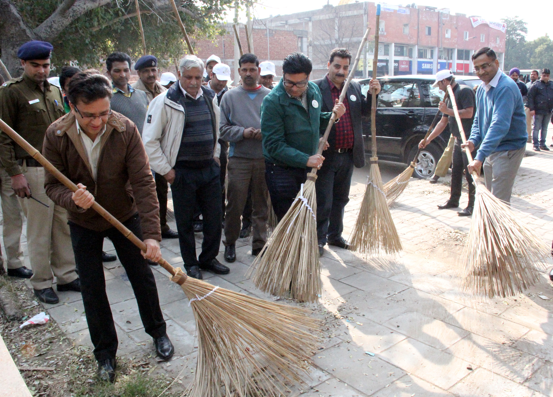 UT Home Secretary, Mr. Anurag Agarwal inaugurating the �Clean-A-Thon� campaign at Sector-8, Chandigarh on Thursday, January 29, 2015.
