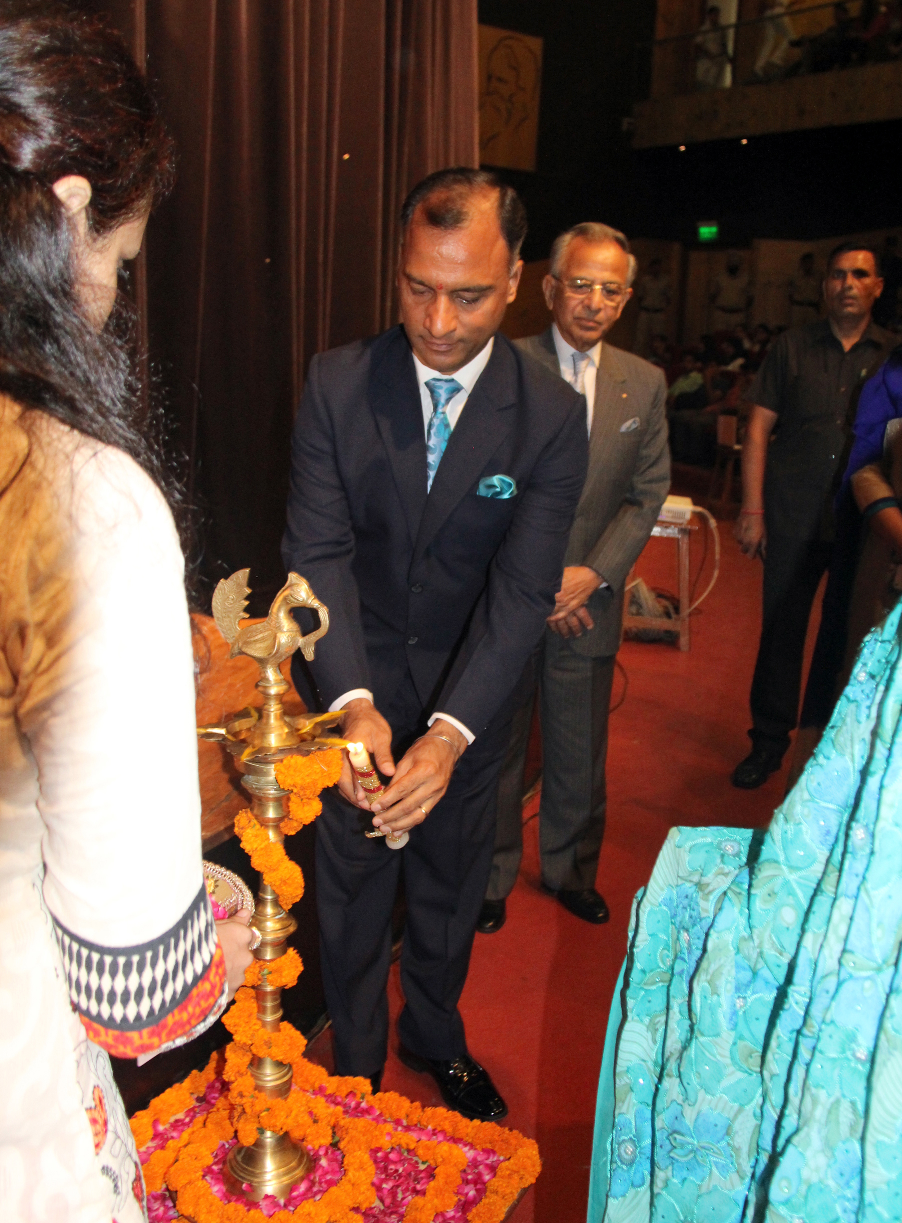 The Adviser to the Administrator, UT, Chandigarh, Mr. Vijay Dev lighting the traditional lamp at the inauguration of Bhavan Vidyalaya, Chandigarh �Model United Nations Conference-2015� at Tagore Theatre, Sector-18, Chandigarh on Friday, July 31, 2015.