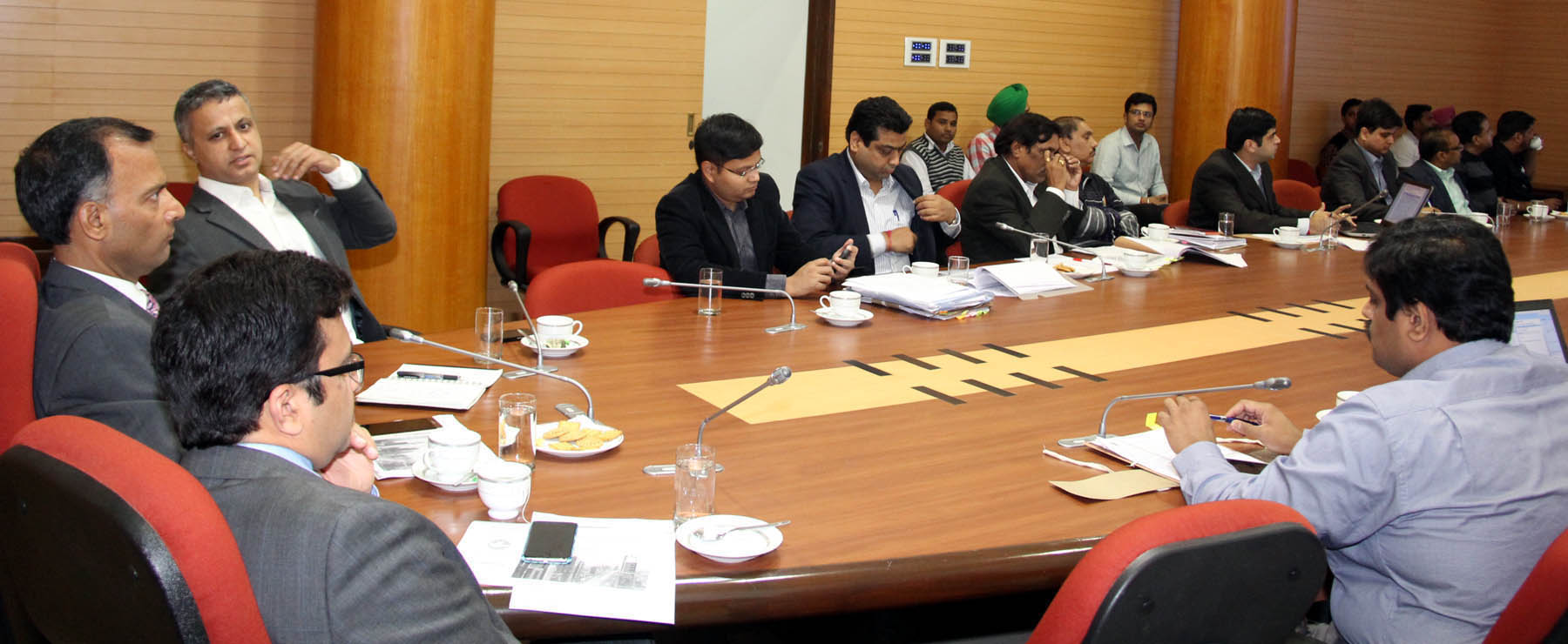 The Adviser to the Administrator, UT, Chandigarh, Mr. Vijay Dev presiding over the meeting regarding -PAN City Solution ( Under Smart City Mission)-Safe City and Integrated Traffic Management at UT Secretariat, Chandigarh on Tuesday, November 24, 2015.