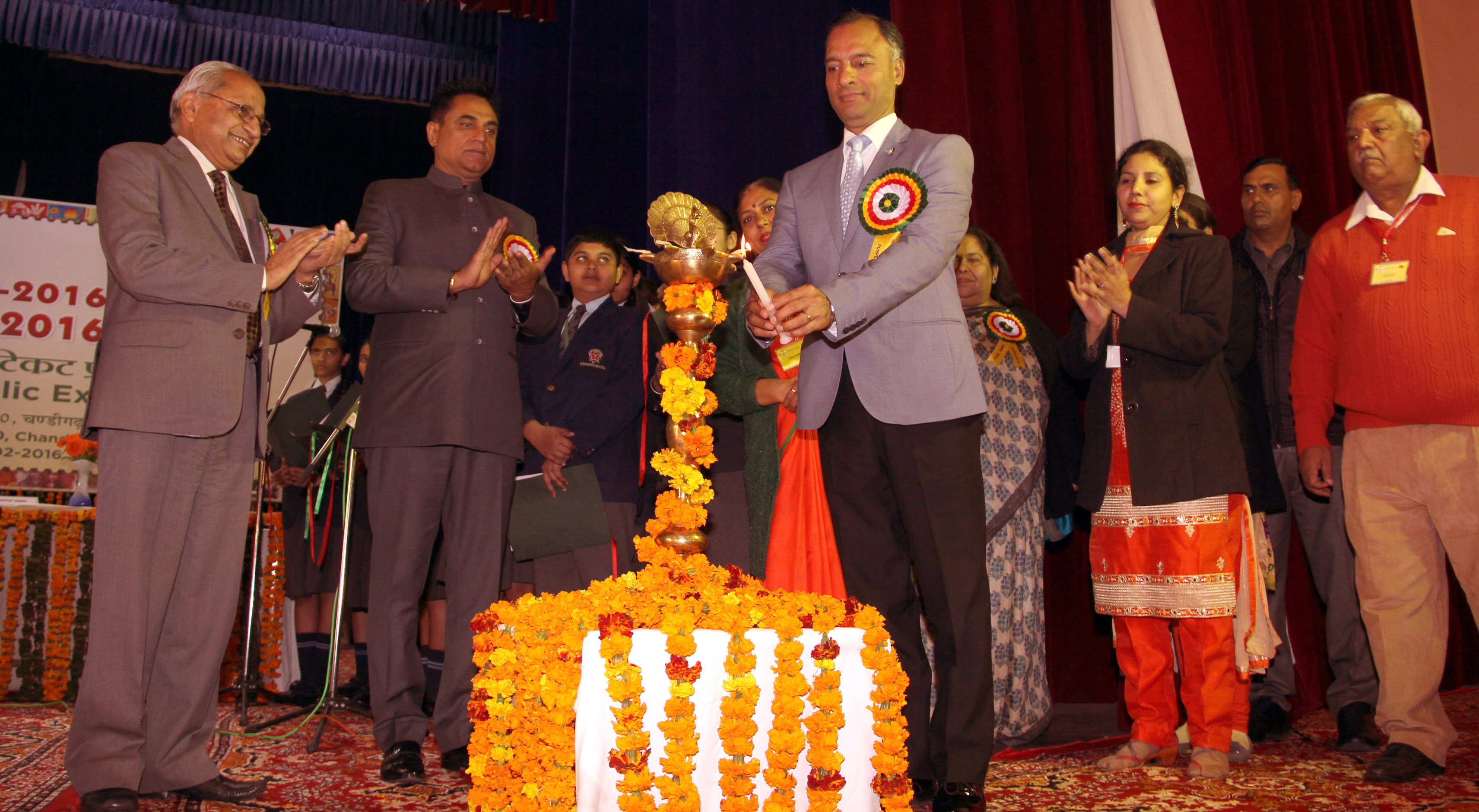 The Adviser to the Administrator, UT, Chandigarh, Mr. Vijay Dev, lighting the traditional lamp at the inauguration of the State Level Philatelic Exhibition Punpex 2016 India Post Punjab Circle at DAV College, Sector 10, Chandigarh on Saturday, February 06, 2016.