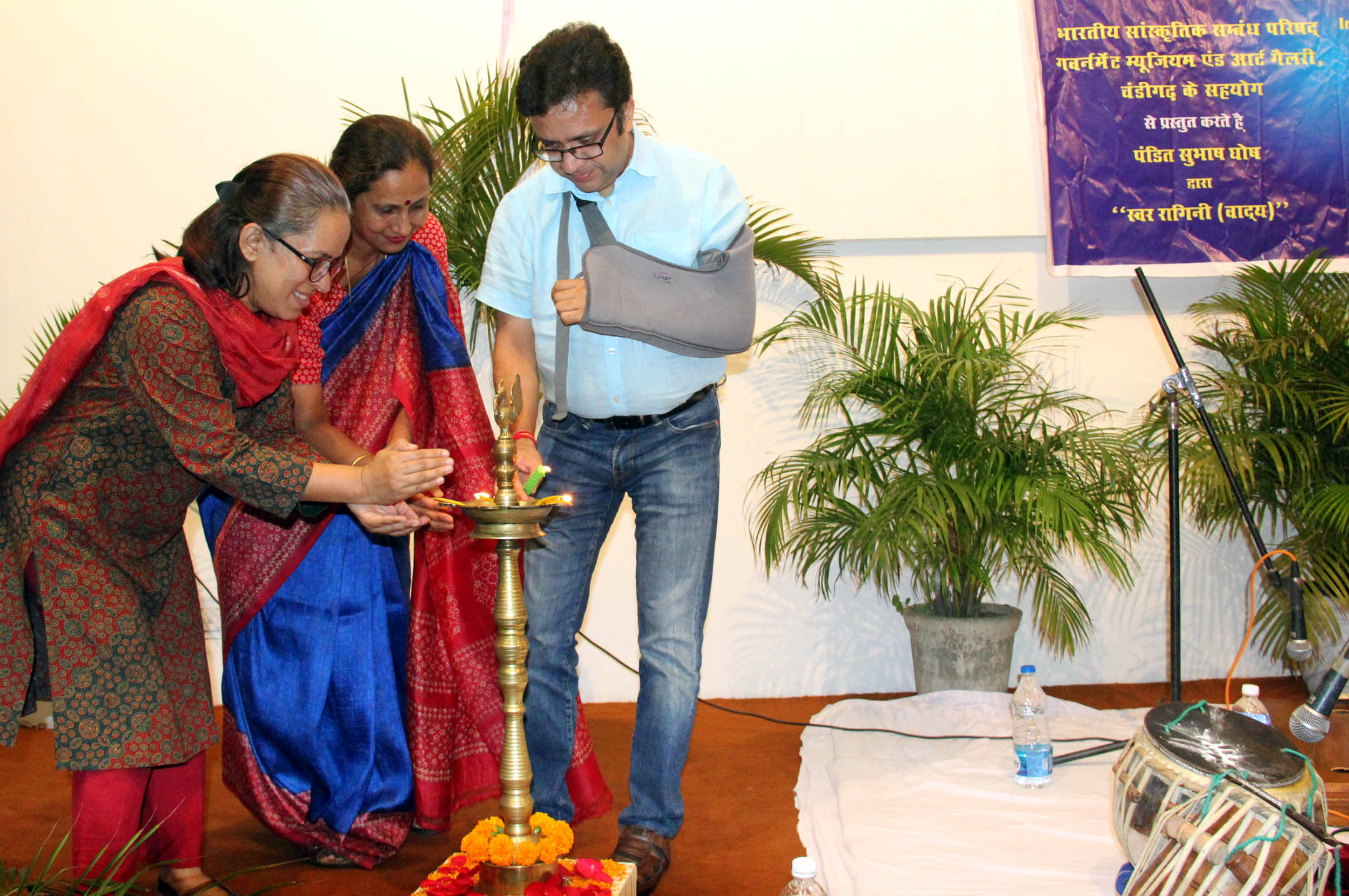 UT Home Secretary, Shri Anurag Agarwal lighting the traditional lamp at the inauguration of Swar Raagini Instrumental by Pt. Subhash Ghosh at Govt. Museum& Art Gallery Sector 10 Chandigarh on Tuseday July 26,2016.