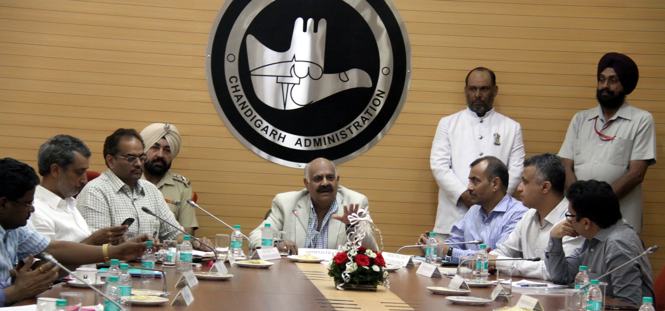 The Governor of Punjab and Administrator, Union Territory, Chandigarh, Shri V.P. Singh Badnore alongwith the Adviser to the Administrator, UT, Chandigarh, Shri Parimal Rai in a meeting with the seniors officer of Chandigarh Administration at UT Secretariat, Chandigarh on Wednesday, August 24, 2016.