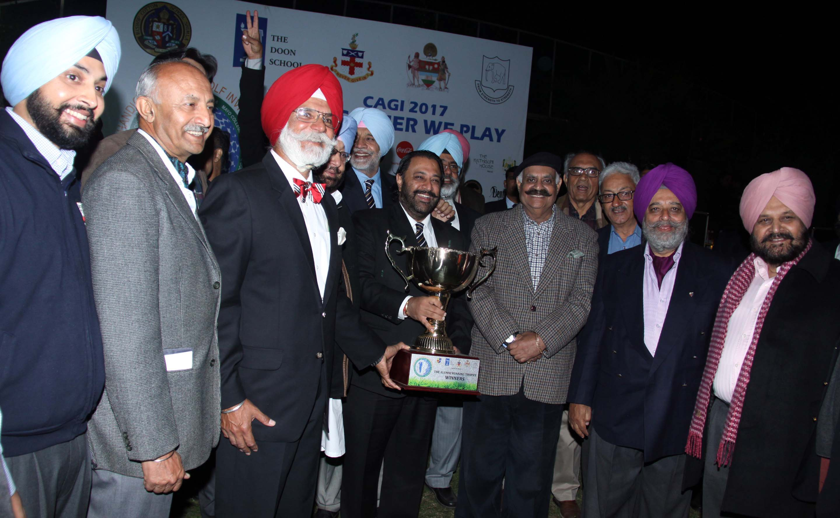 The Punjab Governor and Administrator, UT, Chandigarh, Shri V.P. Singh Badnore posing with  the winners of 2nd Edition of the Chandigarh Aluminium Golf Tournament at Golf Club, Chandigarh on Friday, February 24, 2017.