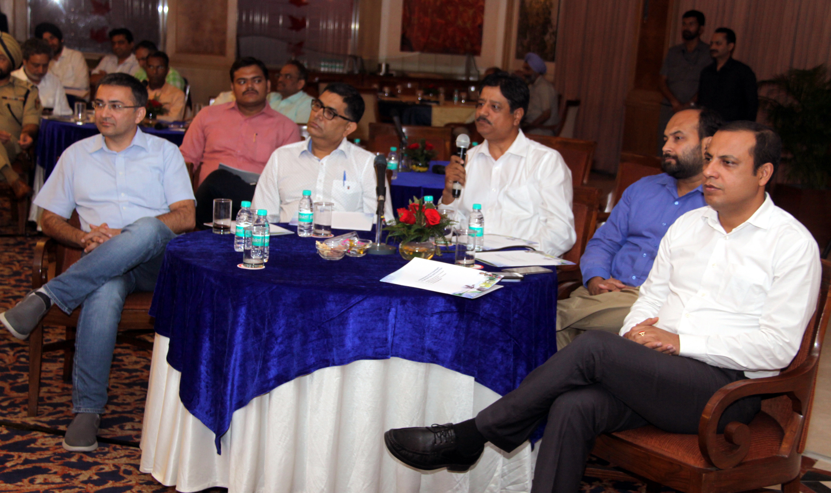 Editors of various newspapers and news channels interacting  with the Governor of Punjab and Administrator, UT, Chandigarh, Shri V.P. Singh Badnore alongwith Smt. Kirron Kher, Member of Parliament, Chandigarh at an informal meet at Hotel Mountview, Sector-10, Chandigarh on Wednesday, August 23, 2017.